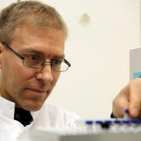 Dr Thomas Larsen